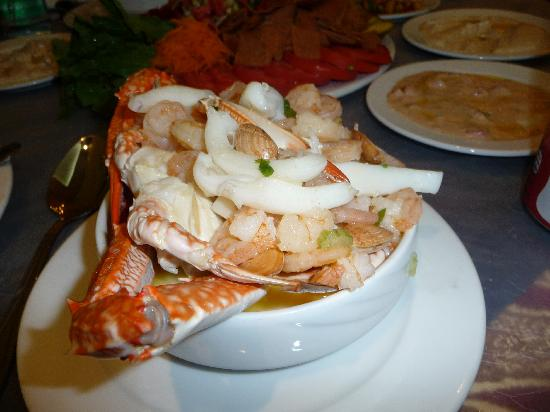 mix-seafood-soup